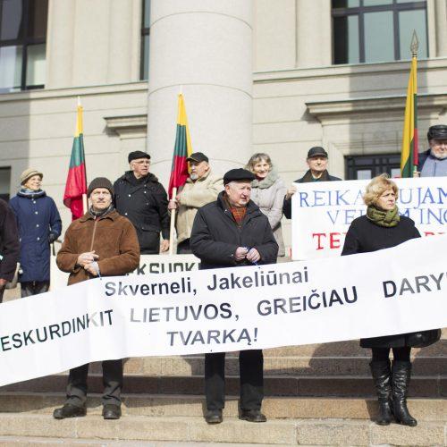 Pensininkų mitingas prie Seimo