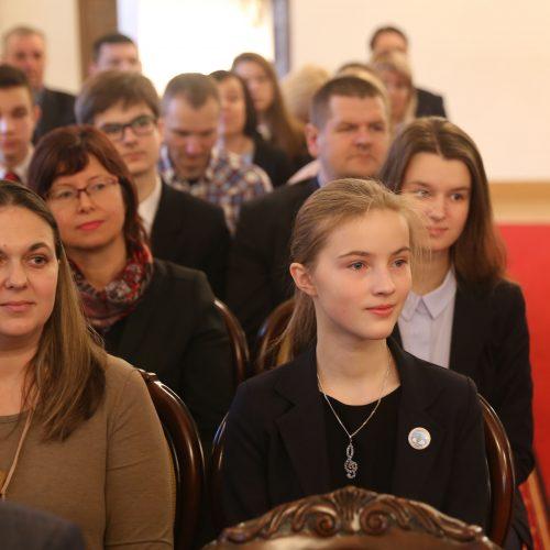 Talentingiems mokiniams – kalėdinės stipendijos  © Kauno rajono savivaldybės nuotr.