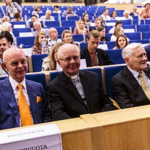 Pasaulio lietuvių bendruomenė susirinko į XVI Seimą