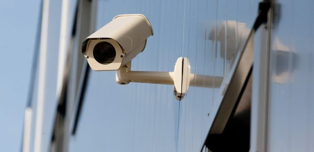 Už gyventojams įbruktą vaizdo kamerų sutartį – 5 tūkst. eurų bauda