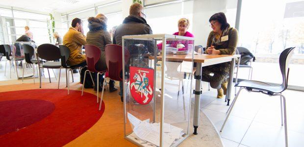 Tarp rinkimų organizatorių dominuoja moterys