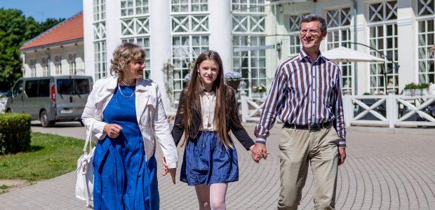 Daubarų šeima: nebijokime girti savo vaikų
