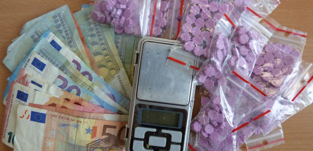 Prekybai narkotikais feisbuke – rimtas policijos smūgis
