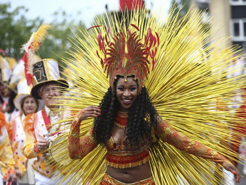 50-asis Londono Noting Hilo karnavalas