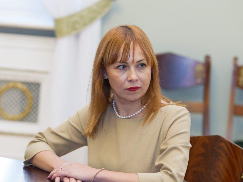Ministrė: etatinio apmokėjimo mokytojams klaidos taisomos