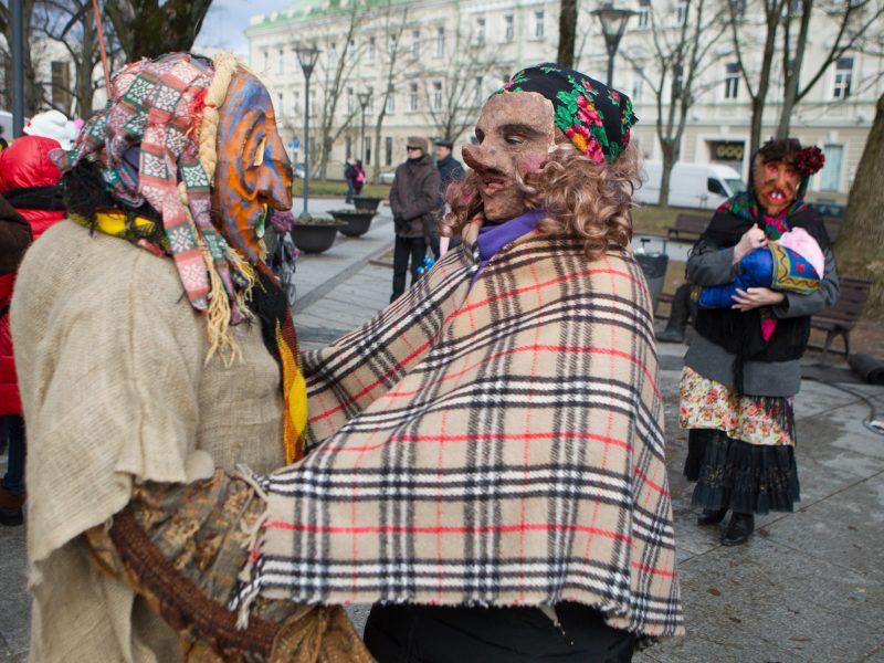 Lietuvoje švenčiamos Užgavėnės – žiemos pabaigos šventė