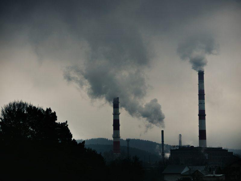 Aplinkos ministerija skambina pavojaus varpais dėl oro taršos