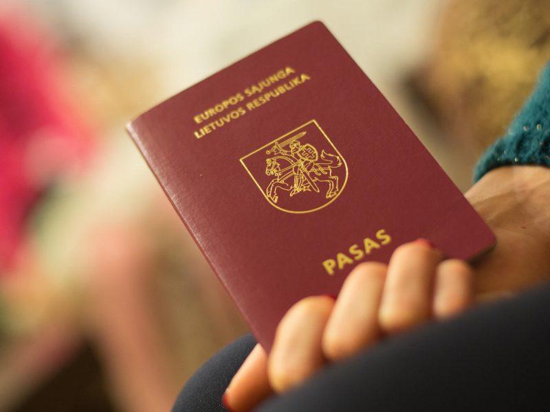 Vyriausybė atveria kelią nelietuviškoms raidėms pirmame paso puslapyje