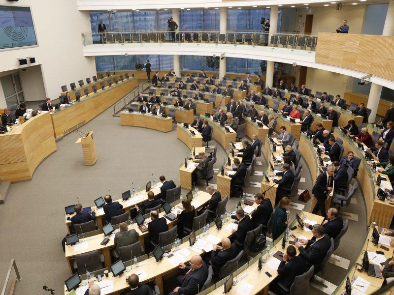 Seimas nusprendė posėdžiauti ilgiau