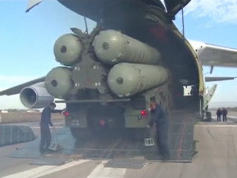 JAV įvedė sankcijas rusų karinės technikos nupirkusiai Kinijai