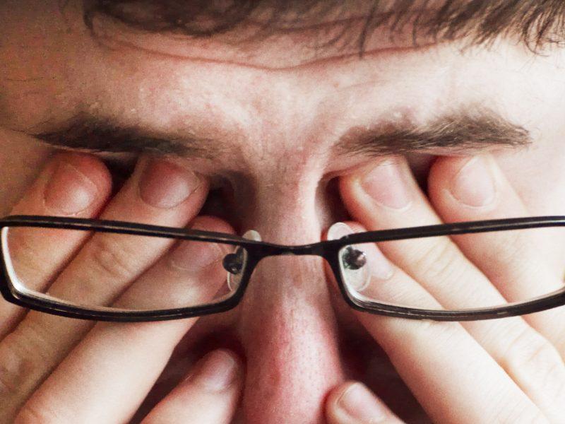 Akių ligos gydomos taikant naujausias technologijas, tačiau žmonės neskuba tirtis