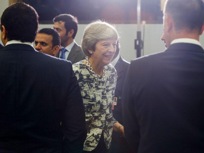"""DIdžioji Britanija oficialiai paskelbė prieštaringai vertinamą """"Brexit"""" strategiją"""