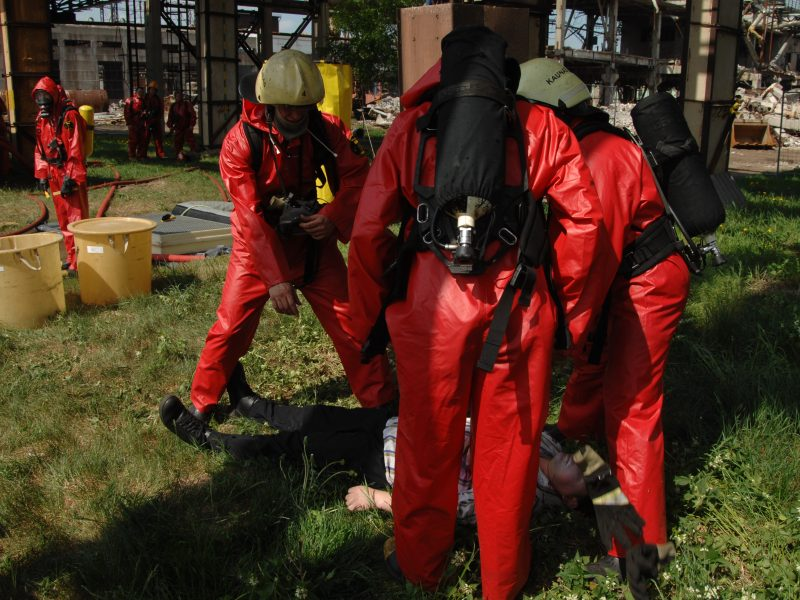 Incidentas prie kapinių: šiukšliavežiams prireikė ugniagesių pagalbos