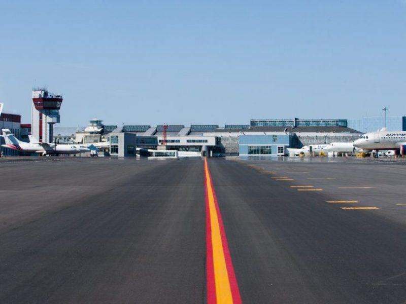Dėl audros bandymų lėktuvas į Vilniaus oro uostą neatskrido