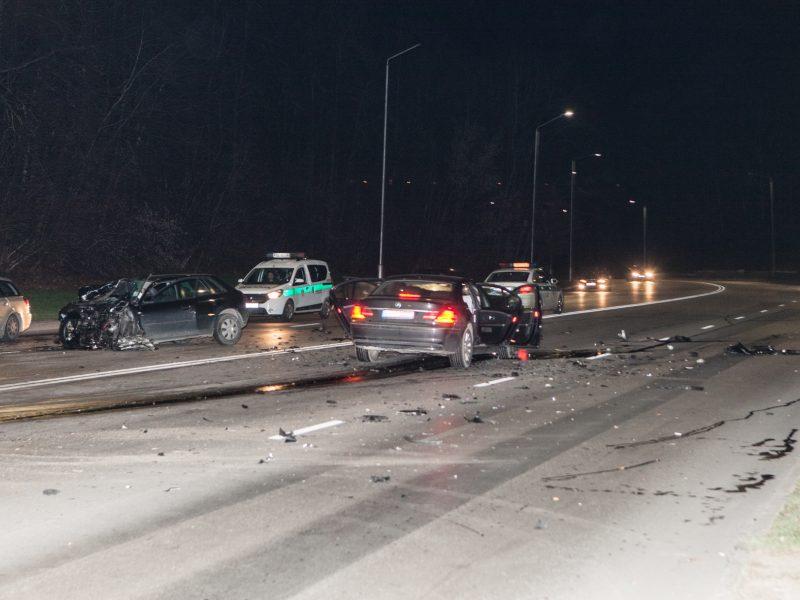 BMW ir Audi avarija Kaune
