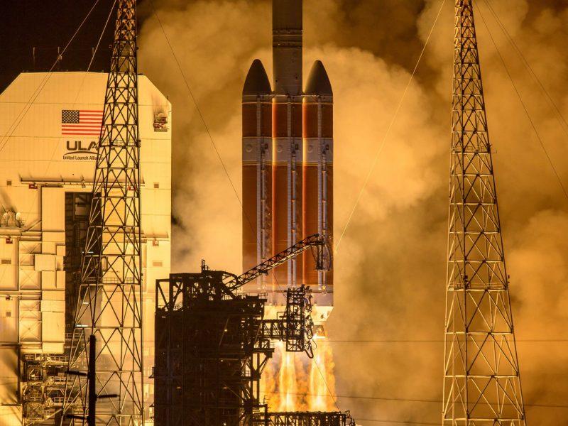 """NASA paleido pirmąjį """"Saulę paliesiantį"""" zondą"""