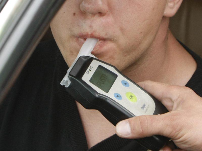 Daugiau nei pusė girtų vairuotojų sulaukia baudžiamosios atsakomybės