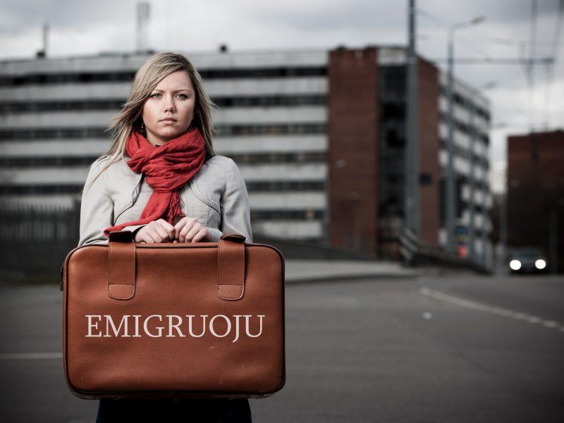 Masinė jaunimo emigracija: kokio amžiaus jaunuoliai išvyksta dažniau