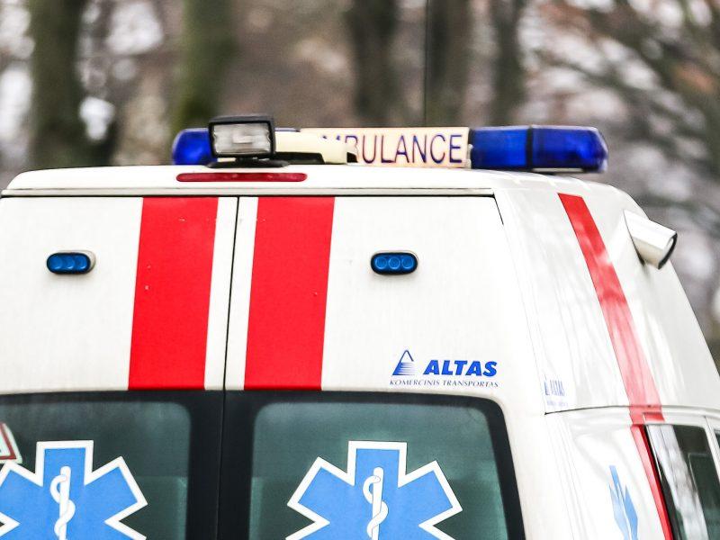Prienų rajone nuo kelio nuslydo automobilis, žuvo vairuotojas