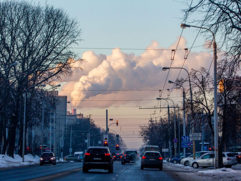 Didžiuosiuose miestuose fiksuojama padidėjusi oro tarša