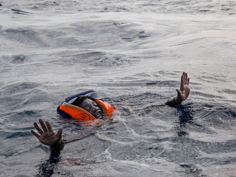 Netoli Kipro nuskendus laivui žuvo 19 migrantų