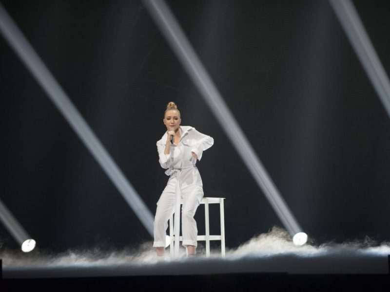 """""""Eurovizijos"""" finalo repeticijoje Paulą išgąsdino sprogusi kėdė"""