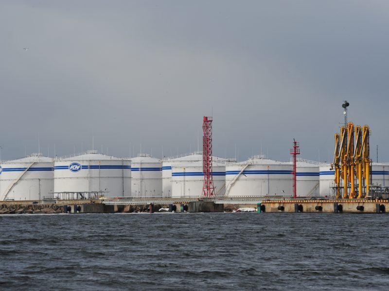 """Liepą """"Klaipėdos naftos"""" terminaluose augo naftos produktų krova"""