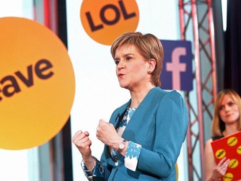 """Socialinių tinklų galia: ar """"Facebook"""" pasinaudota nulemiant """"Brexit"""" rezultatą?"""