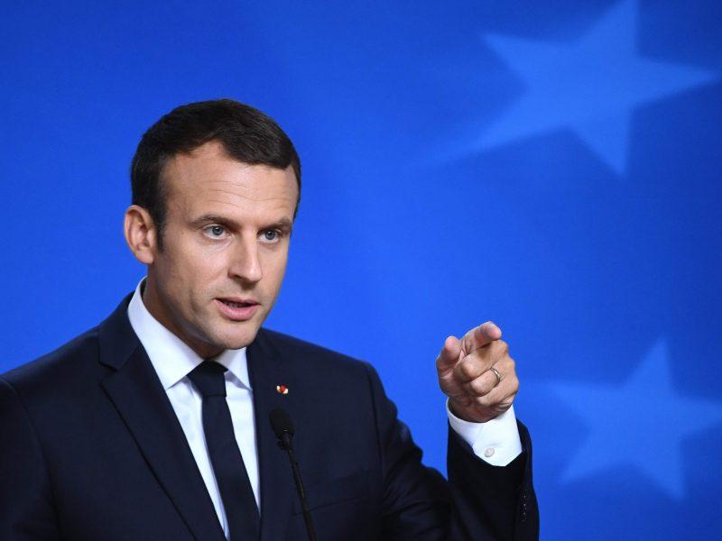 E. Macronas: Prancūzijoje migrantų priėmimo centrų nebus