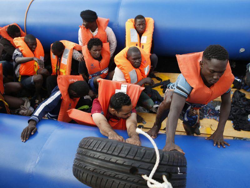 Libijos pakrančių apsauga išgelbėjo daugiau kaip 130 migrantų