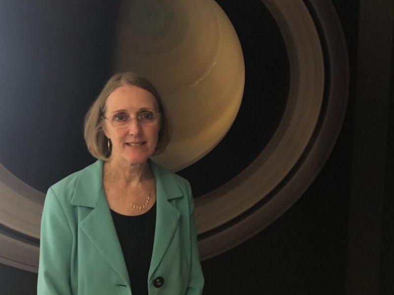 NASA mokslininkė: žmones pirmiau siųskime ne į Marsą
