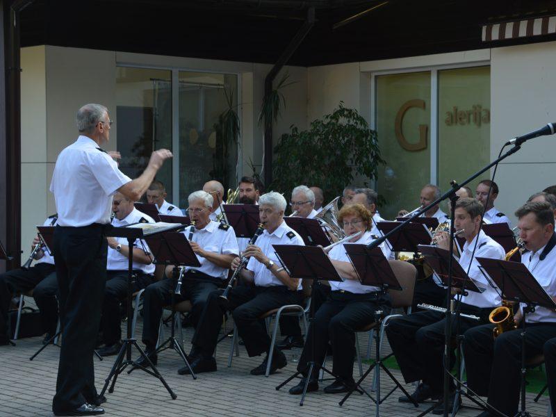 Koncertuos Lietuvos kariuomenės Karinių jūrų pajėgų orkestras