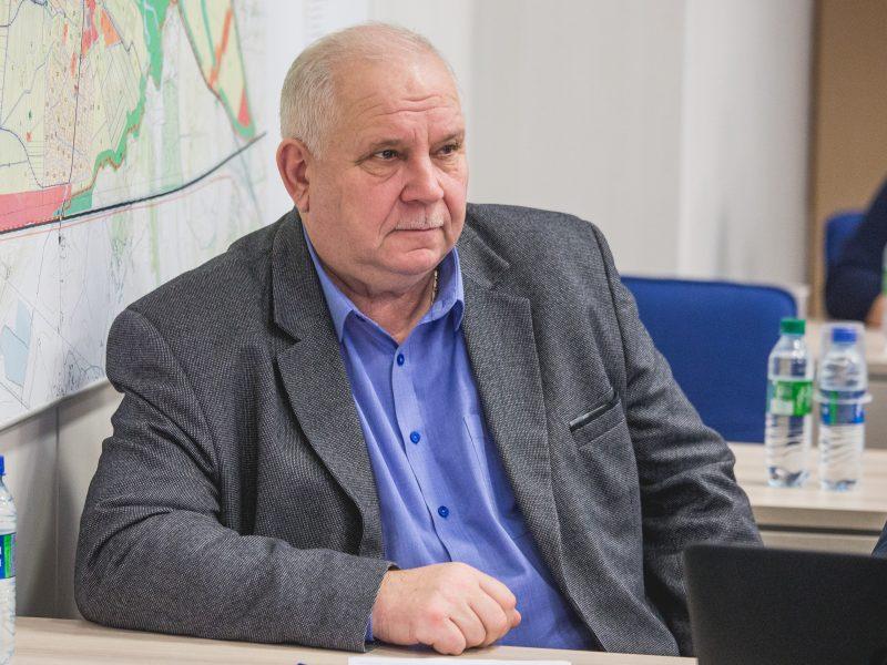 Iš pareigų traukiasi A. Michailovas