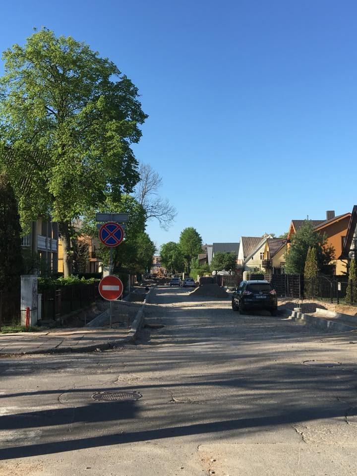 Premjero patarėjas stebisi gatvės atnaujinimo darbų kokybe Palangoje