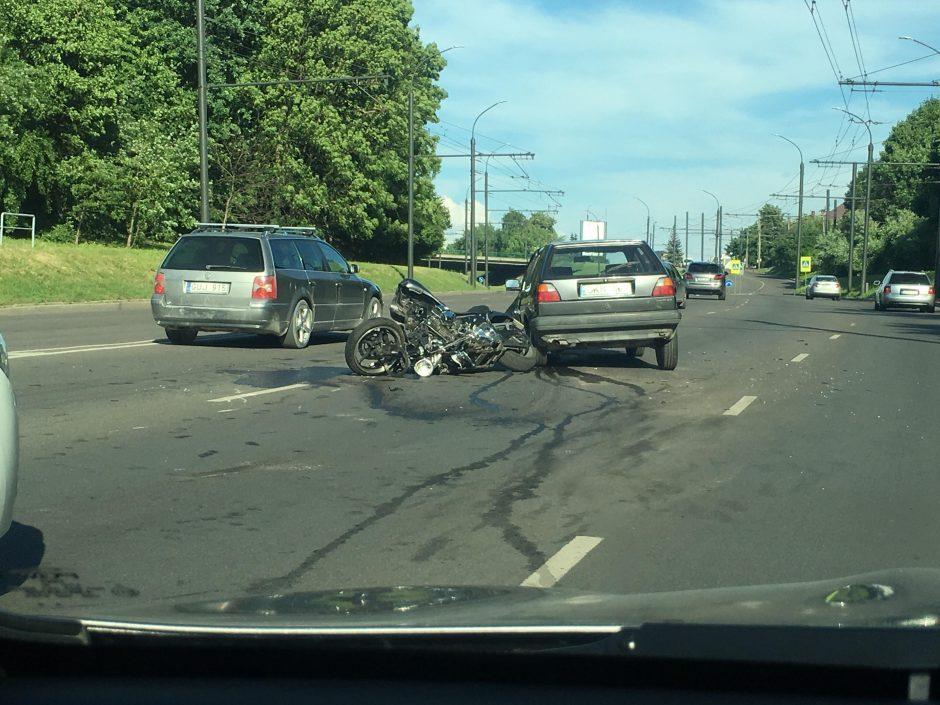 Prakalbo į kraupią avariją patekusio motociklininko artimieji: nenuleisime rankų