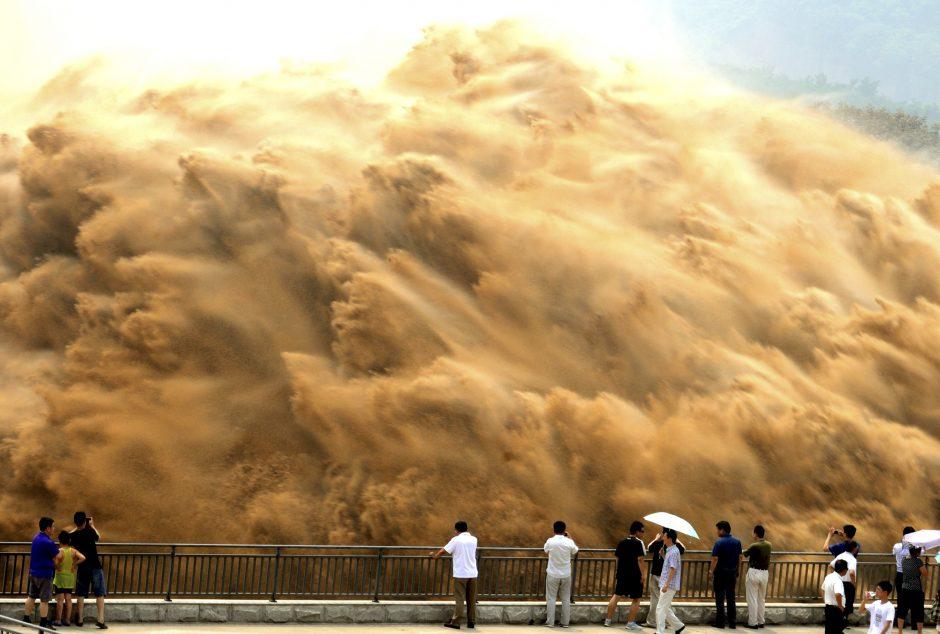 Geltonosios upės Kinijoje dumblas – ir problema, ir įspūdingas reginys