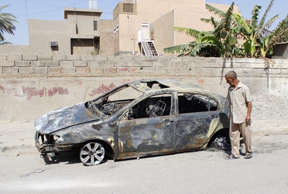 Bagdade per užminuotų automobilių sprogimus žuvo mažiausiai 48 žmonės (atnaujinta)