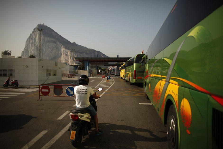 D.Cameronas: Madrido veiksmai dėl Gibraltaro gresia santykiams su Britanija