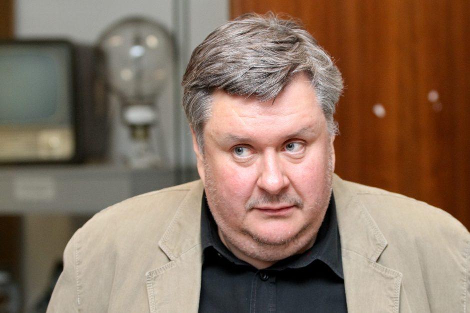 Humoristas H. Mackevičius nesuvaldė motorolerio