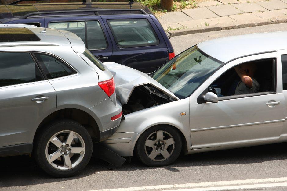Vilniuje, Geležinio Vilko gatvėje, susidūrė 8 automobiliai