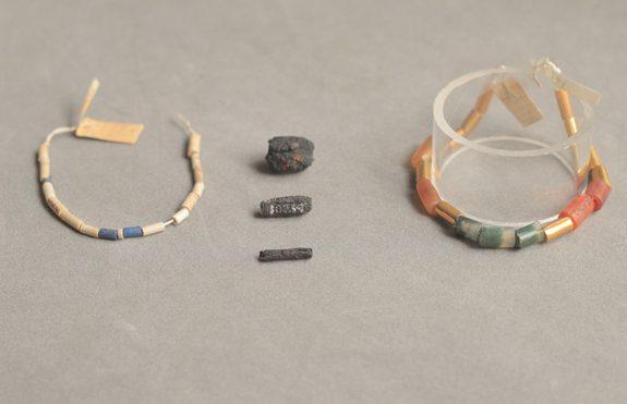 Geležinius Senovės Egipto karoliukus archeologai kildina iš kosmoso