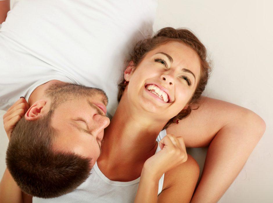 9 dalykai, kurių jūsų vyras greičiausiai pavydi vienišiems draugams