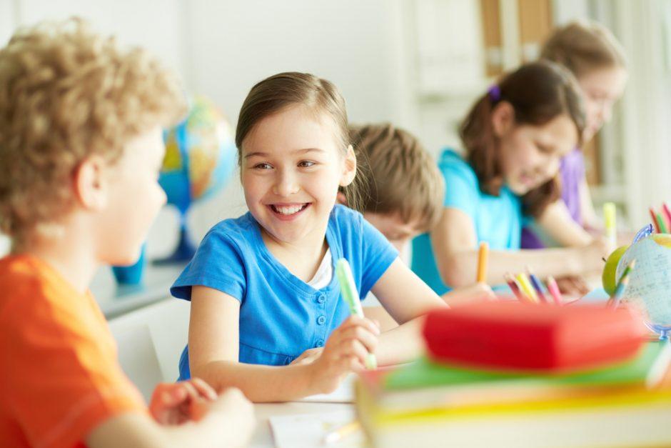 Kaip padėti mokyklą pradėjusiam lankyti vaikui?