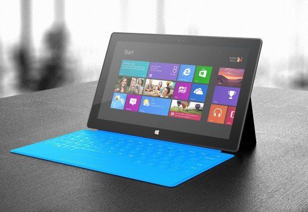 """""""Microsoft"""" su """"Surface RT"""" toli nenukeliavo: mušama ir 64 GB talpos kaina"""