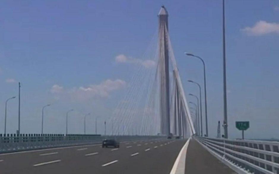 Kinijoje – ilgiausias daugiastulpis vantinis tiltas pasaulyje