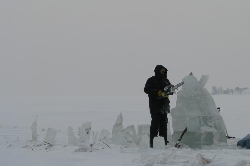 Parnidžio kopos papėdėje – ledo skulptūros
