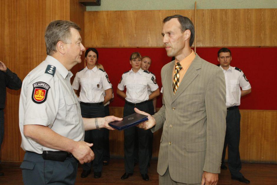 Aštuoni nauji pareigūnai iškilmingoje ceremonijoje prisiekė ginti valstybę
