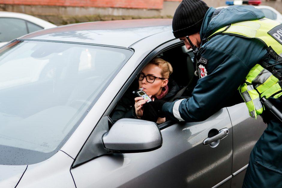 Jaunas vairuotojas bandė sprukti nuo policijos naktinės Klaipėdos gatvėmis