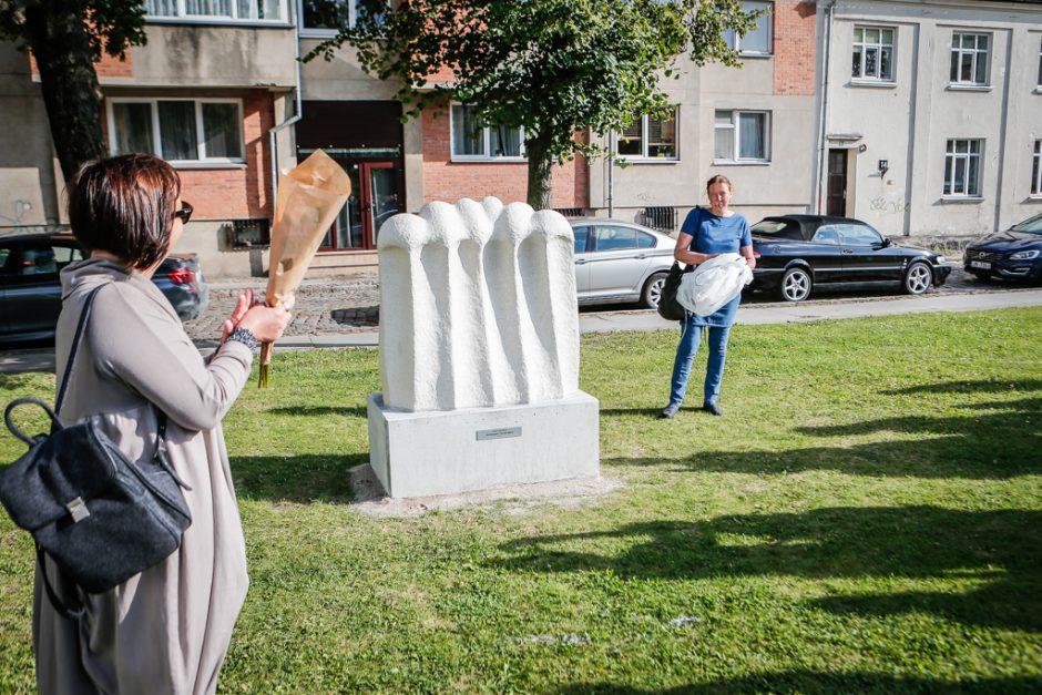 Skverą papuošė naujos skulptūros