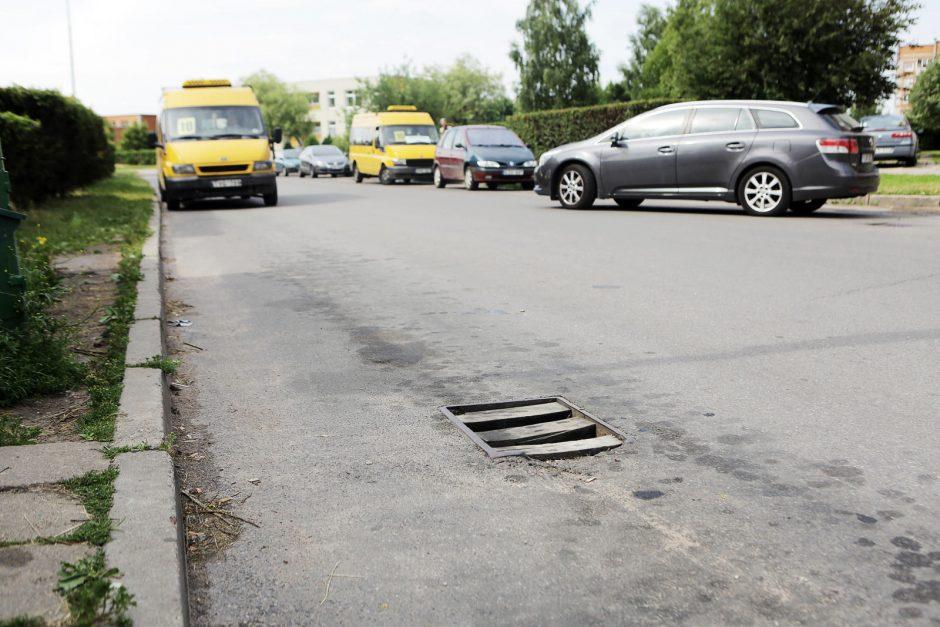 Atviri kanalizacijos šuliniai kelia pavojų klaipėdiečiams
